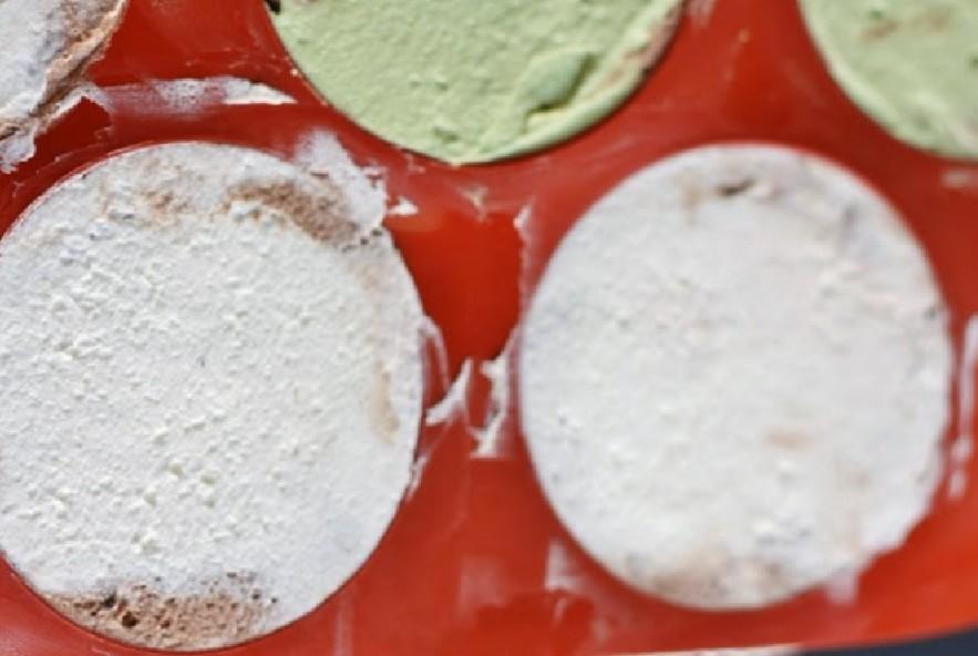 Tartufo nero semifreddo amarena e pistacchio - Step 2 - Immagine 3