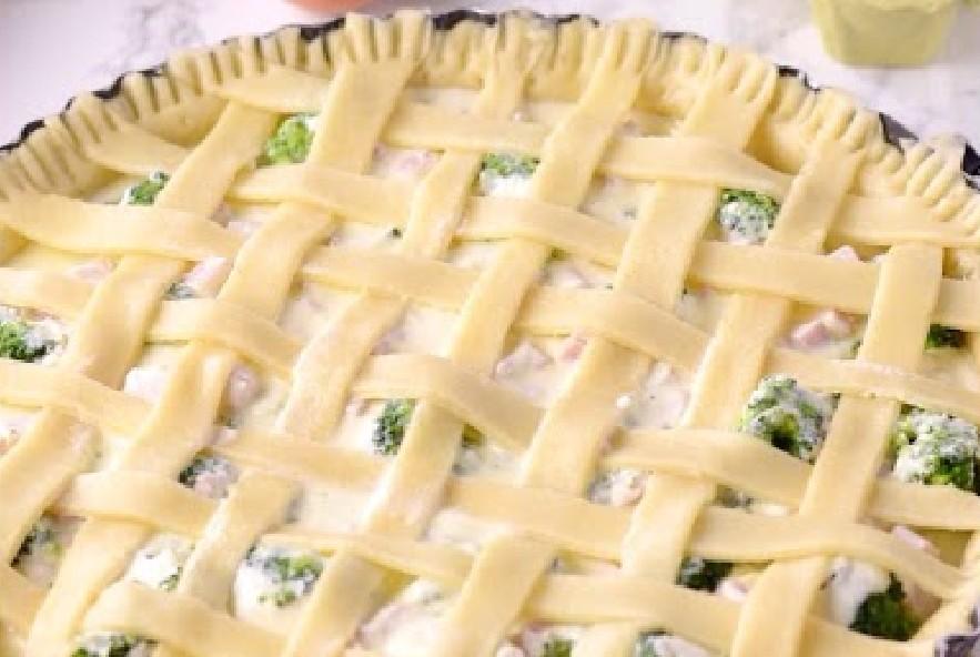 Crostata salata broccoli, prosciutto e ricotta - Step 4 - Immagine 3