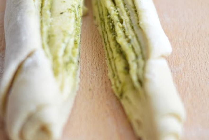 Treccia di pan brioche al pesto e parmigiano - Step 4 - Immagine 2