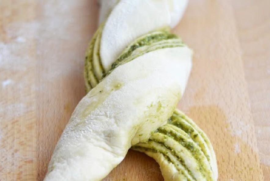 Treccia di pan brioche al pesto e parmigiano - Step 4 - Immagine 4