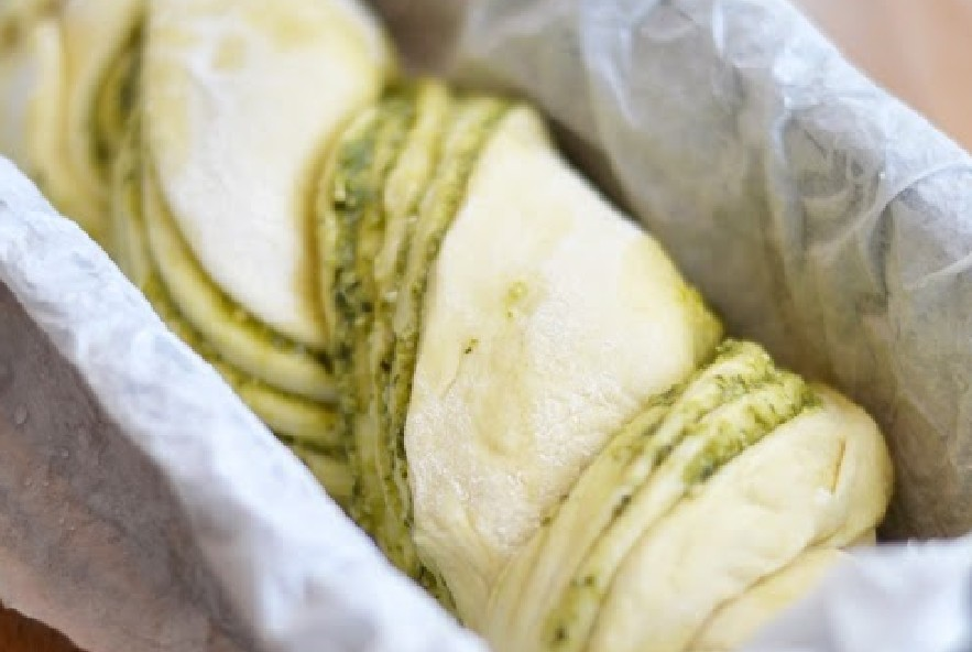 Treccia di pan brioche al pesto e parmigiano - Step 4 - Immagine 6