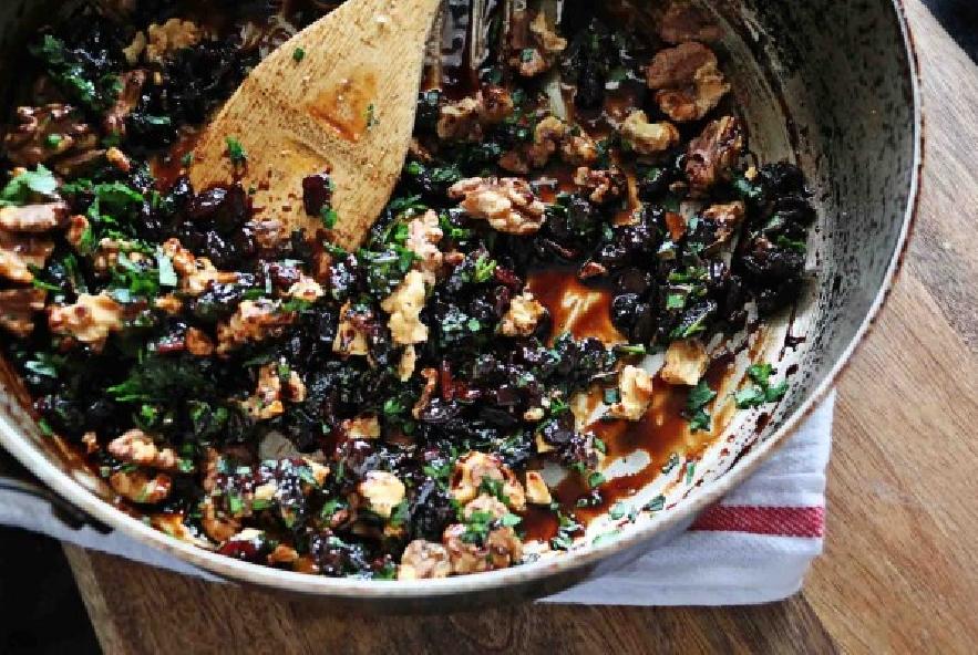 Maiale al forno con noci, uvetta e pancetta - Step 2 - Immagine 2
