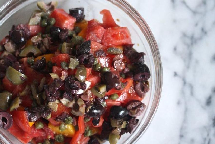 Filetti di spigola con pomodori, olive e capperi - Step 2 - Immagine 1