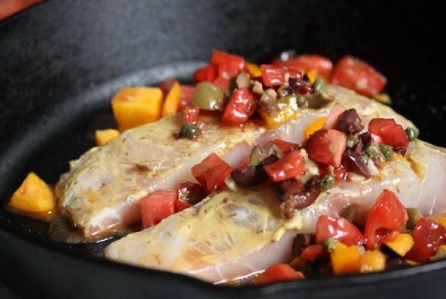 Filetti di spigola con pomodori, olive e capperi - Step 2 - Immagine 2