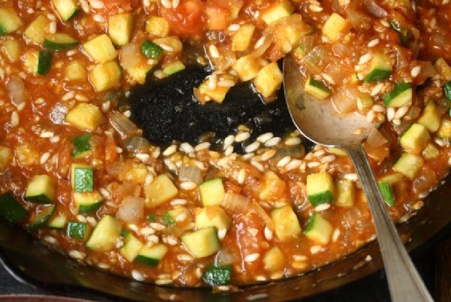 Pomodori ripieni di riso e zucchine - Step 3 - Immagine 1