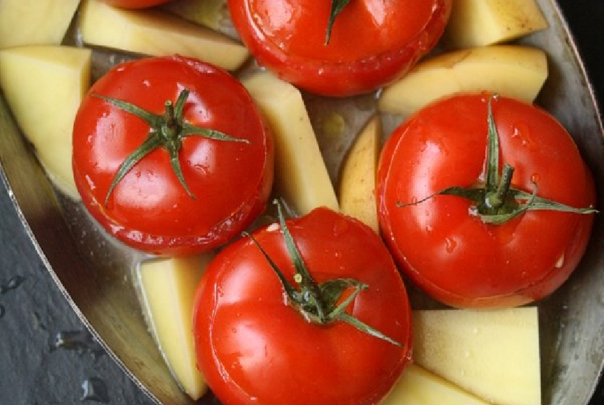 Pomodori ripieni di riso e zucchine - Step 4 - Immagine 2