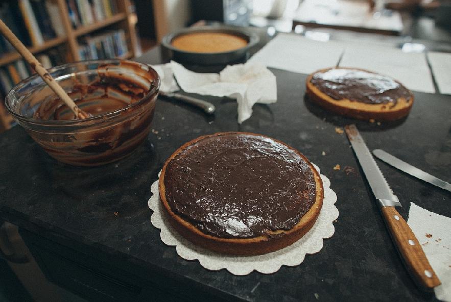 Torta con ganache al cioccolato e meringa - Step 6 - Immagine 1