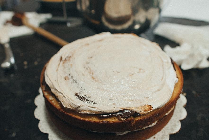 Torta con ganache al cioccolato e meringa - Step 8 - Immagine 1