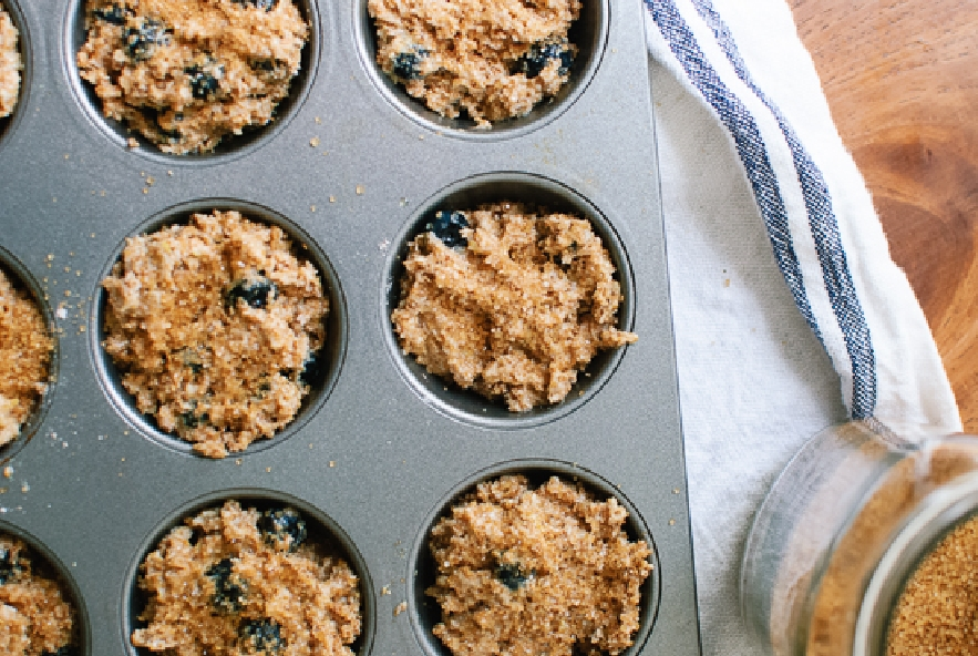Muffin di mirtilli, crusca e miele - Step 3 - Immagine 1