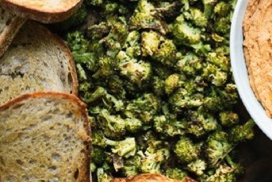 Bruschette con hummus e broccoli arrostiti - Step 6 - Immagine 1