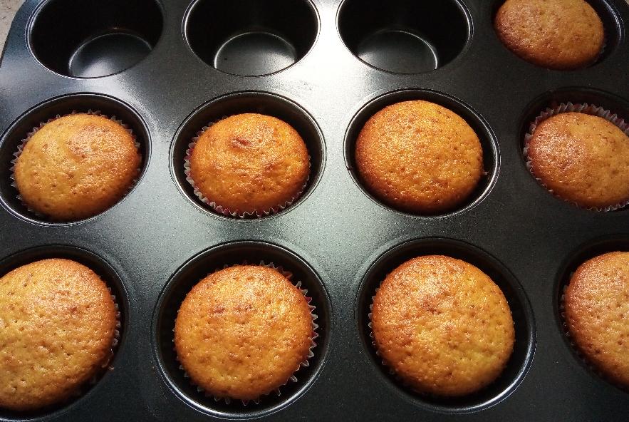 Muffin arancia e mandorle all'olio extravergine - Step 6 - Immagine 1