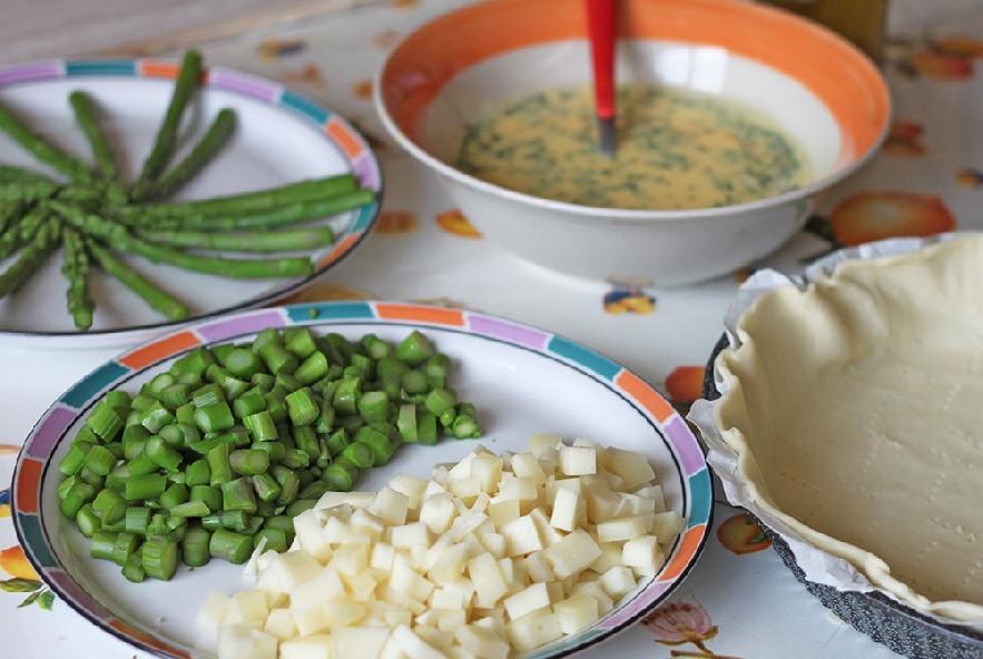 Torta salata con asparagi e pecorino - Step 2 - Immagine 1