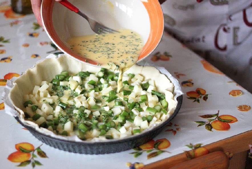 Torta salata con asparagi e pecorino - Step 5 - Immagine 1