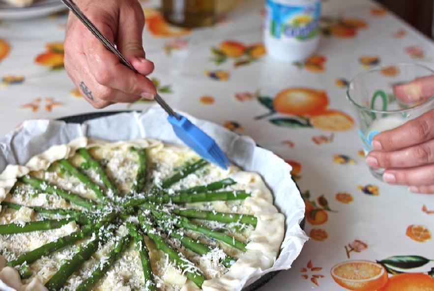 Torta salata con asparagi e pecorino - Step 6 - Immagine 1