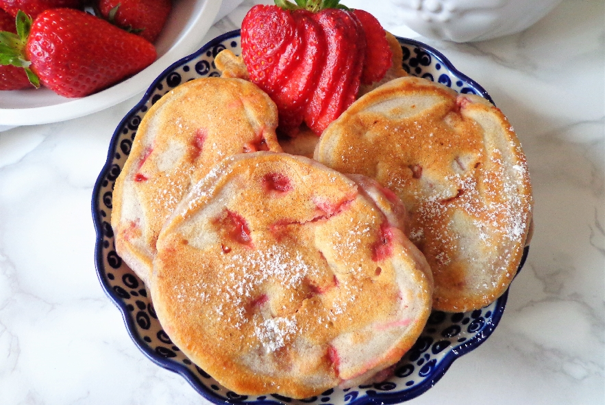 Pancake con fragole e yogurt