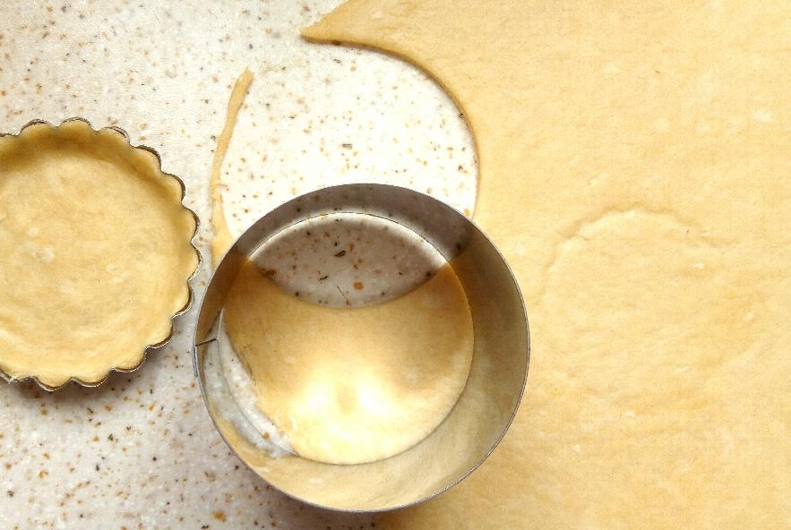 Crostatine salate coi baccelli - Step 5 - Immagine 1