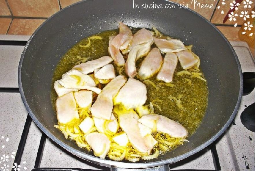 Straccetti di pollo allo zenzero con crema di curcuma - Step 3 - Immagine 1
