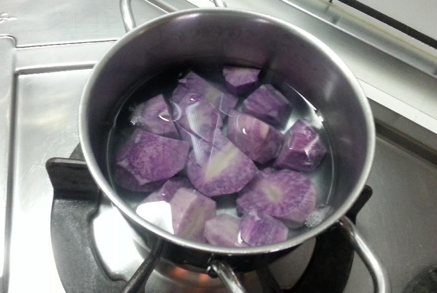 Spatola gratinato con quenelle di patate viola - Step 2 - Immagine 3