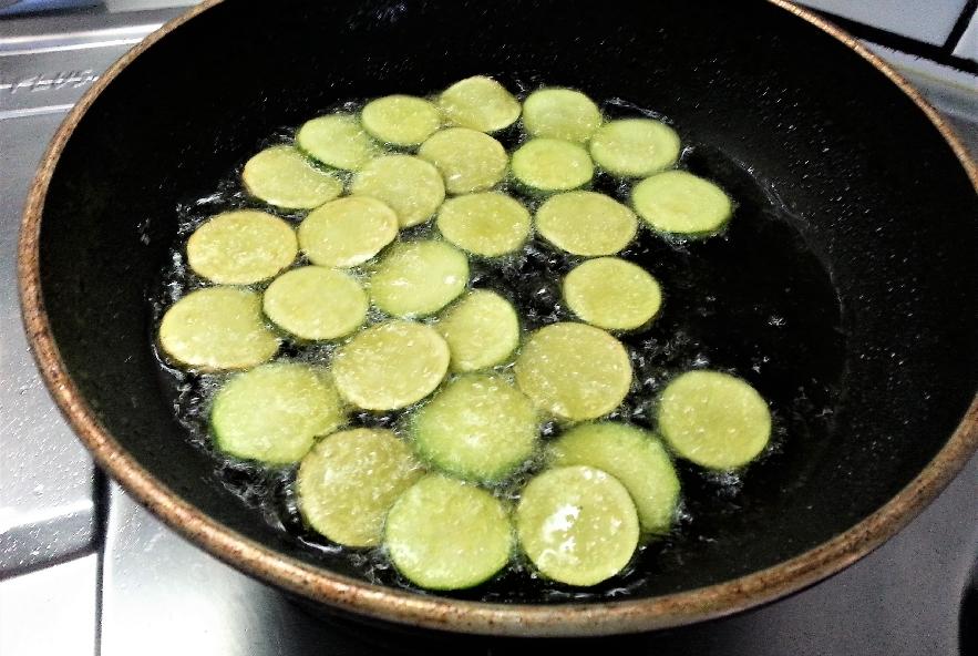 Sformatino zucchine, ricotta e guanciale - Step 2 - Immagine 2