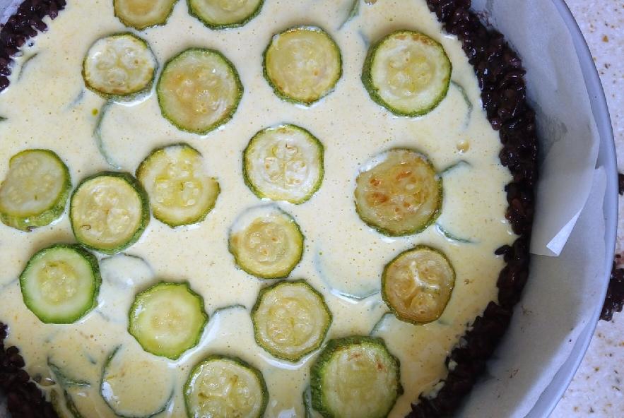 Crostata di riso venere zucchine e yogurt al curry - Step 5 - Immagine 1