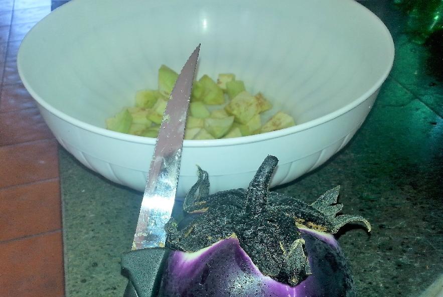 Spaccatelle fredde melanzane, mozzarella e olive - Step 1 - Immagine 1