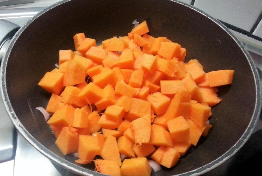 Tagliatelle zucca, salsiccia e ricotta infornata - Step 1 - Immagine 3