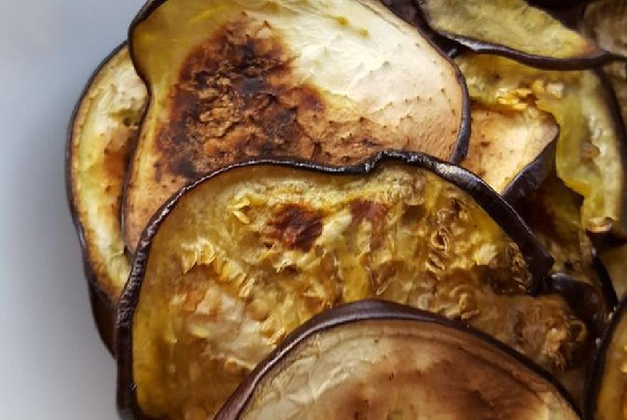 Pasta con melanzane pomodorini confit e pinoli - Step 1 - Immagine 1