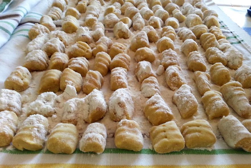 Gnocchi di patate rosse con crema di melanzane - Step 3 - Immagine 4