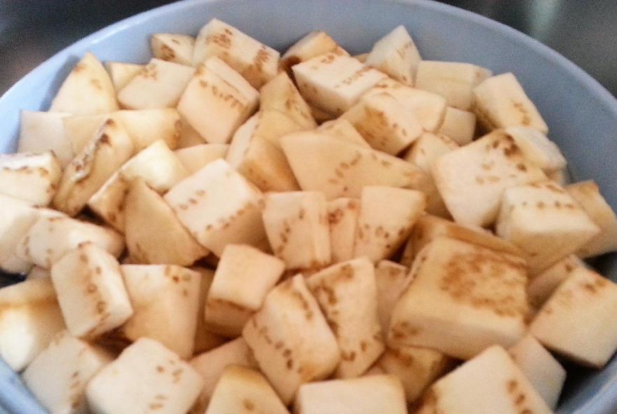 Gnocchi di patate rosse con crema di melanzane - Step 4 - Immagine 1