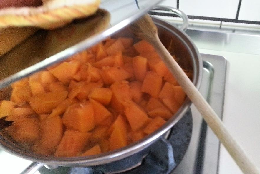 Gnocchi di patate viola su crema di zucca - Step 4 - Immagine 4