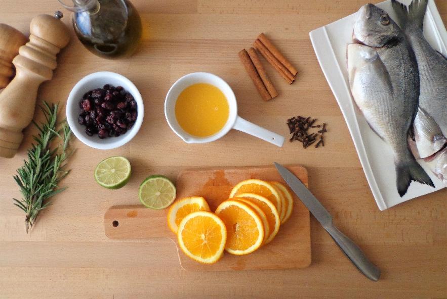 Orata al forno con arancia, lime e mirtillo rosso - Step 2 - Immagine 1