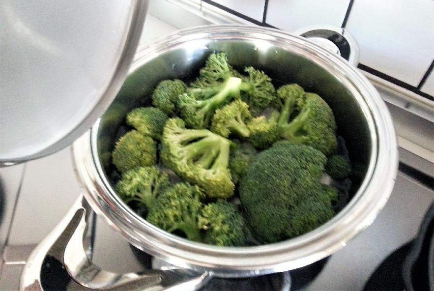 Bavette con polipetti e broccoli affogati - Step 1 - Immagine 1