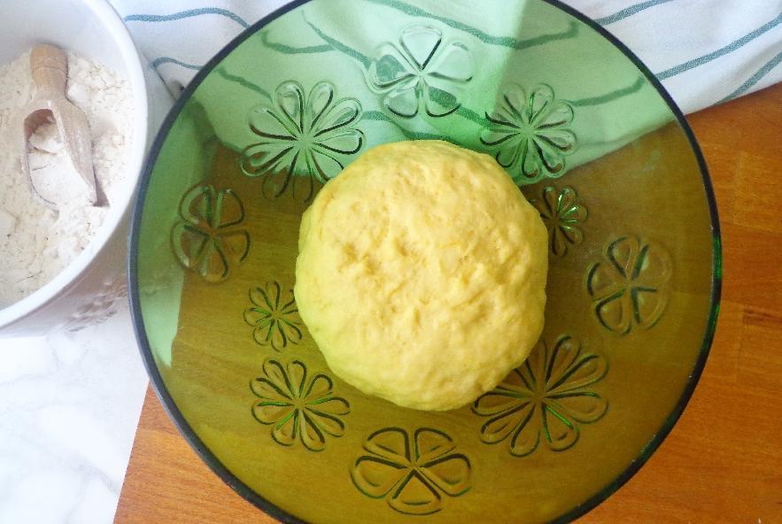 Treccia pasquale di pasta lievitata - Step 1 - Immagine 1