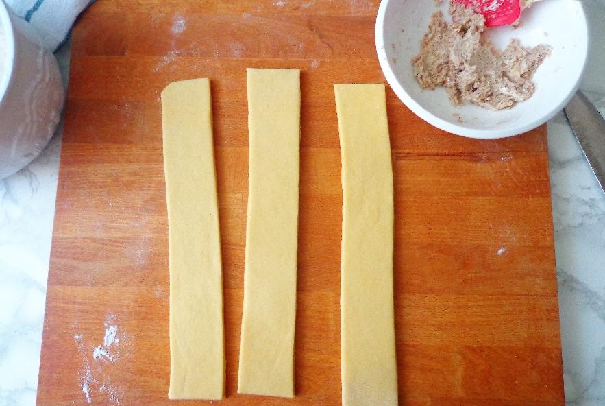 Treccia pasquale di pasta lievitata - Step 2 - Immagine 1