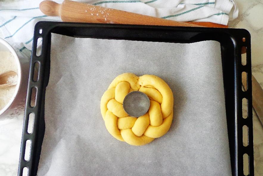 Treccia pasquale di pasta lievitata - Step 5 - Immagine 1