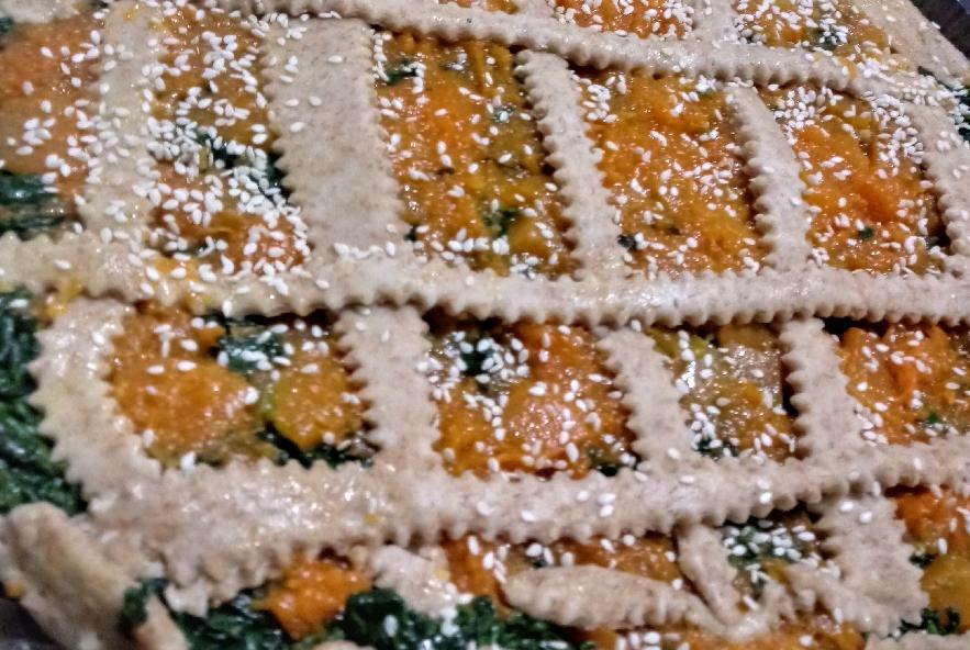 Torta salata di pasta brisè con zucca e spinaci - Step 5 - Immagine 1