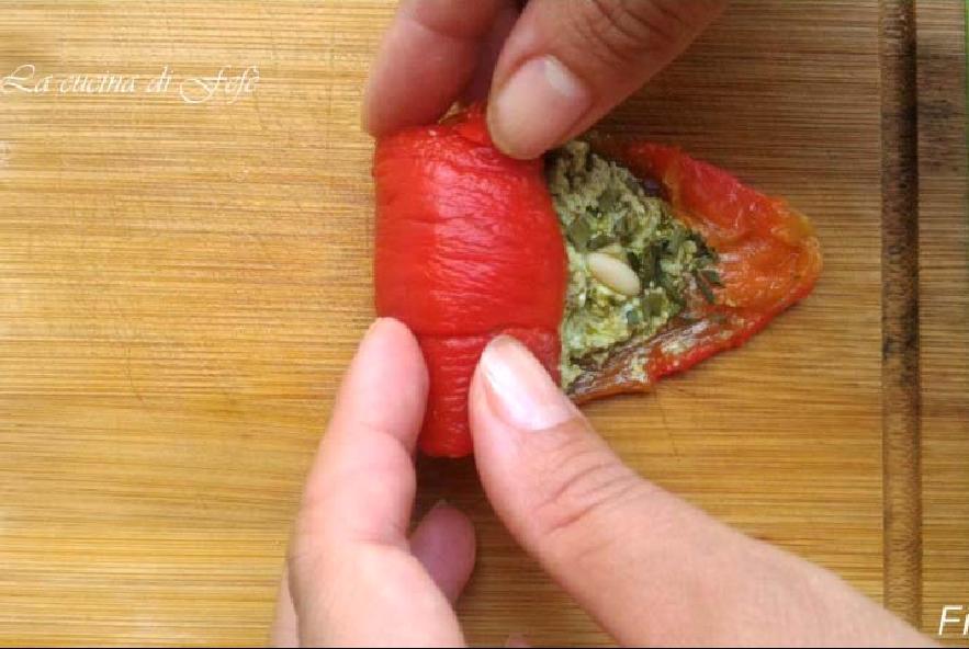 Involtini freddi di peperoni ripieni - Step 4 - Immagine 1