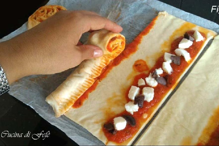 Spirali di pizza con pomodoro e mozzarella - Step 4 - Immagine 1