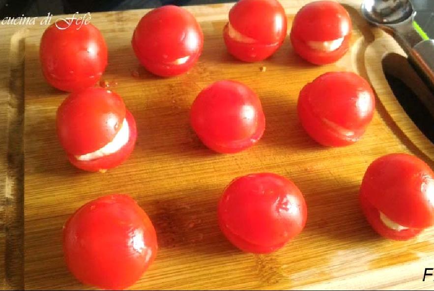 Pomodorini farciti gratinati - Step 5 - Immagine 1