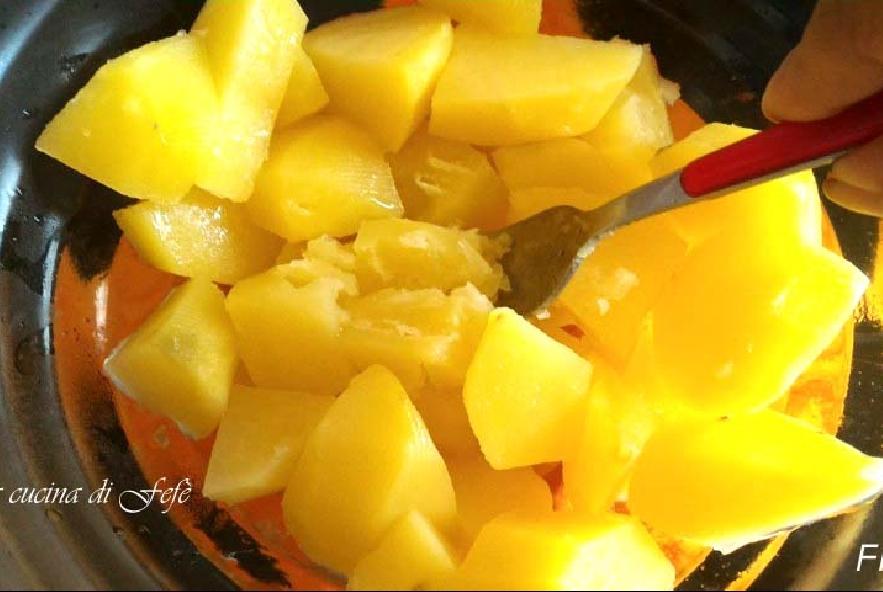 Crocchette di patate con portulaca e peperoni - Step 4 - Immagine 1