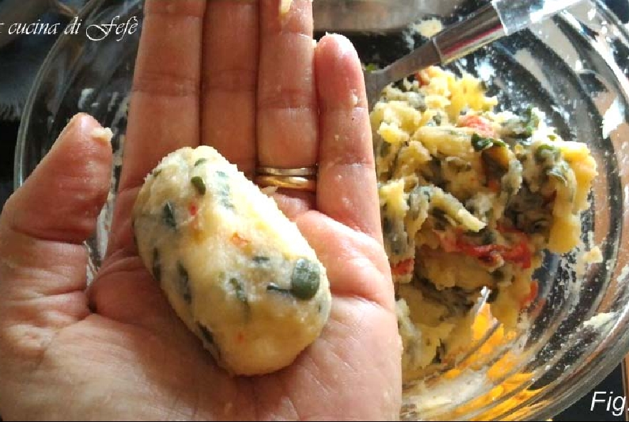 Crocchette di patate con portulaca e peperoni - Step 8 - Immagine 1