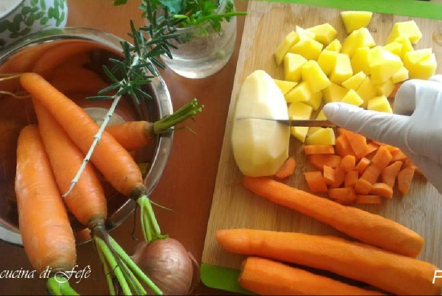 Vellutata di carote, zenzero e cannella - Step 1 - Immagine 1