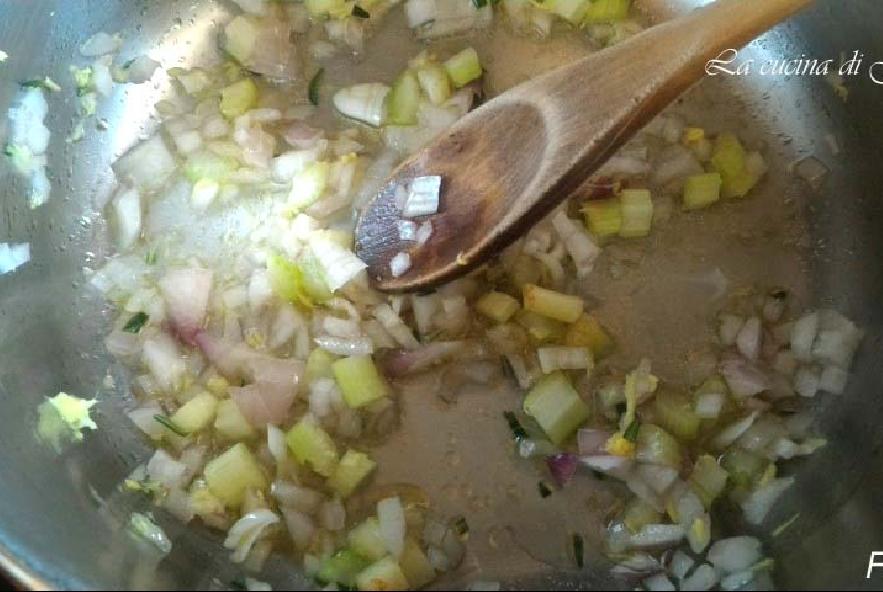 Vellutata di carote, zenzero e cannella - Step 2 - Immagine 1