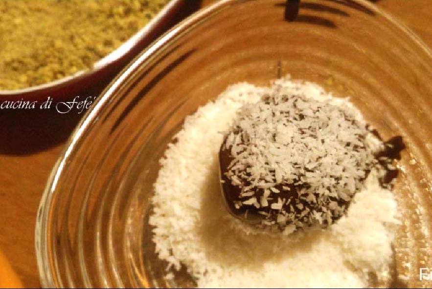 Bon bon di ricotta, pandoro e cioccolato - Step 7 - Immagine 1
