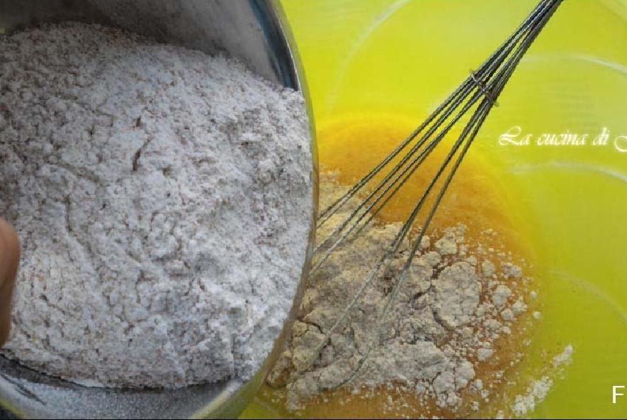 Plumcake di farro alle olive e pomodorini secchi - Step 2 - Immagine 1