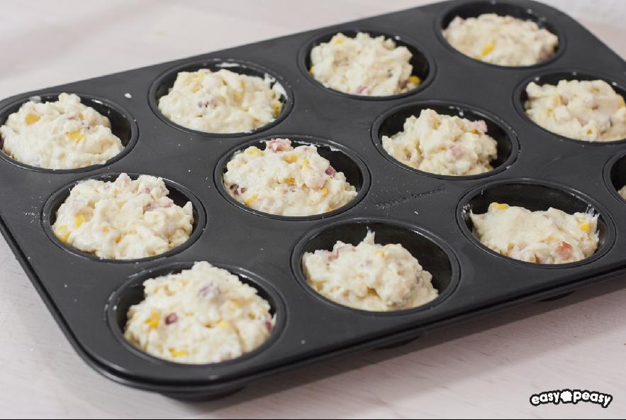 Muffin salati prosciutto e formaggio - Step 3 - Immagine 1