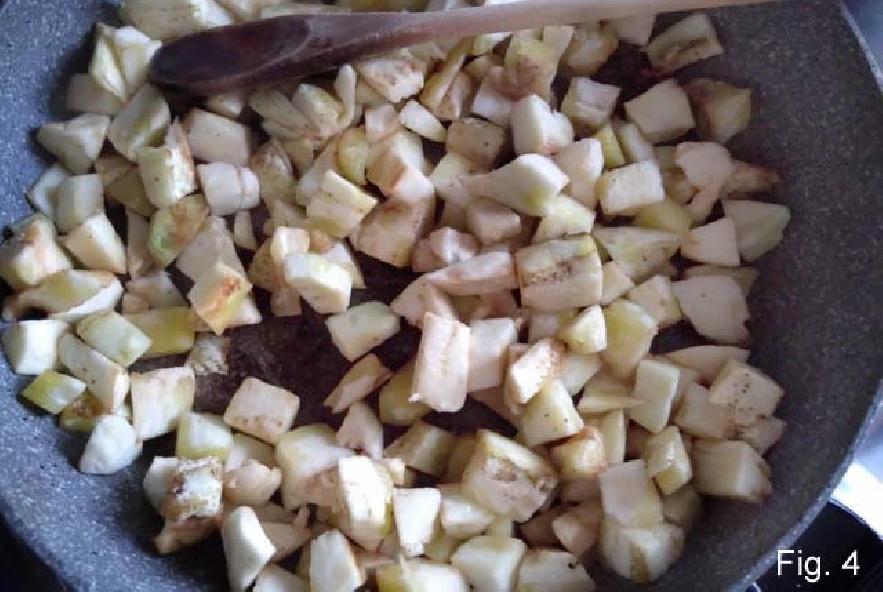 Barchette di melanzane ripiene di riso e pomodori - Step 2 - Immagine 1