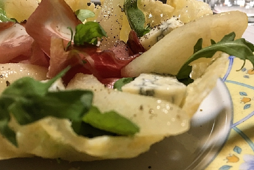 Cestini di pere al vino con gorgonzola e speck - Step 8 - Immagine 1