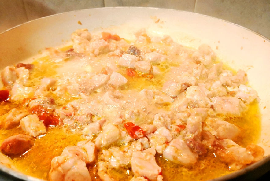 Paccheri con pesce spada e pistacchi - Step 2 - Immagine 1