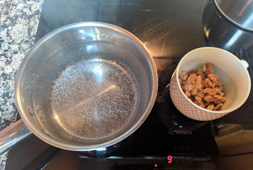 Pansotti con salsa di noci - Step 1 - Immagine 1
